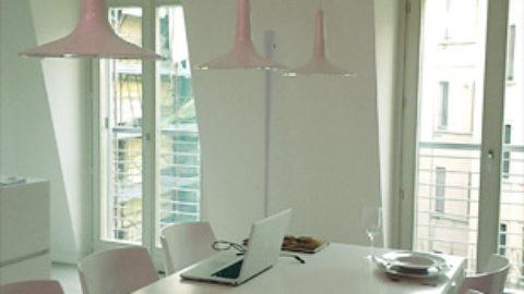 Oluce introduce il rosone multilampada nella sua collezione
