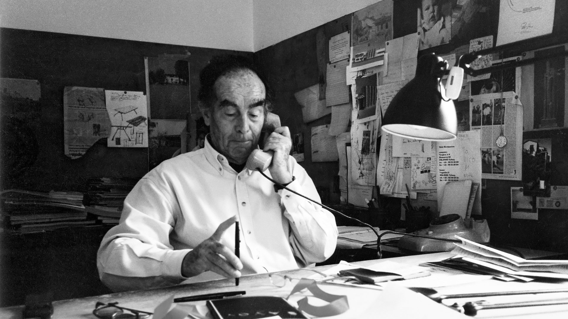 """Oluce among the protagonists in exhibition """"Vico Magistretti – Milanese architect"""""""